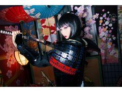 艶メイクプランでは花魁の艶やかなメイクを施した変身スタイルが体験できます!凛々しくも美しい女剣士を体験して頂けます!