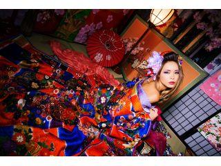「色っぽく撮ってほしい」というお客様には、肩や脚を出して艶っぽく撮影致します!自分だけの妖艶な花魁に変身しましょう!