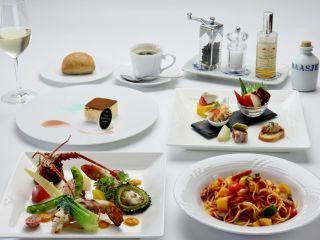 コース一例西洋では高級食材として欠かせないオマール海老。そのオマール海老をメインに特別なコースに仕上げました。