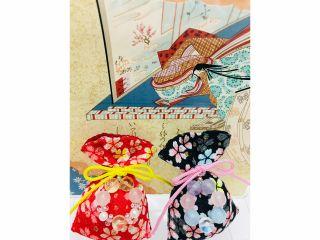 袋の色・柄や飾りひもの色・パワーストーンはお好きな物を選んでいただけます♪