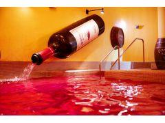 【ワイン風呂】クレオパトラやメアリー女王も愛したと言われる美肌効果も期待できるお風呂です♪