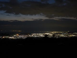 【市内ホテル無料送迎】ナイトピクニック 厳選夜景スポットで乾杯!熱海ばえ写真!流星群や未確認飛行物体も??