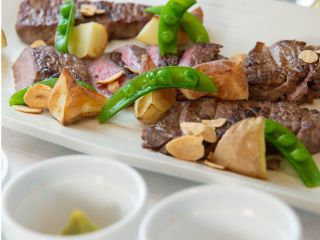 【ディナー×ステーキ×FD】ステーキ食べ放題×フリードリンク!パスタ・お魚料理等盛り沢山のディナーコース
