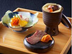 お食事始めは、和洋中シェフ渾身のひと皿で驚きを!