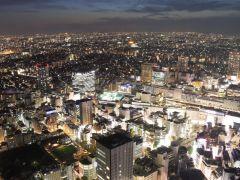 60階から見る夜景は夜のデートにも最適!