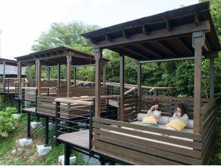 [プライベート ガゼボ]「碧テラス」の一角に設えられた開放的な贅沢空間。 ご家族・ご友人とお寛ぎください。