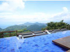 葛城山の山頂に広がる碧テラス内に3つの水盤が誕生いたしました。富士山と駿河湾の絶景を水面に映した新たな景色を堪能いただけます。