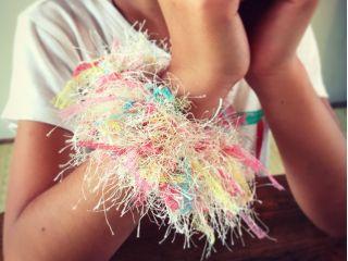 お好きな糸を選んでかわいいシュシュが作れます。