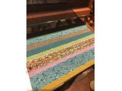 糸の種類は100色以上!お好きな色を何色でもお使いいただけます。