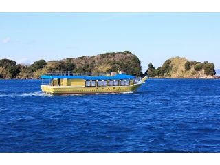 屋形船から南紀白浜湾の景色を見ながらの粋な船遊びを、友人・ご家族で楽しんでみませんか?