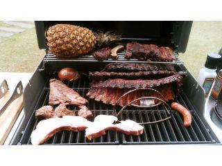 牛肉(上ハラミ、フランク、サーロイン)と鶏肉、ベーコン、ソーセージ合わせて約350g