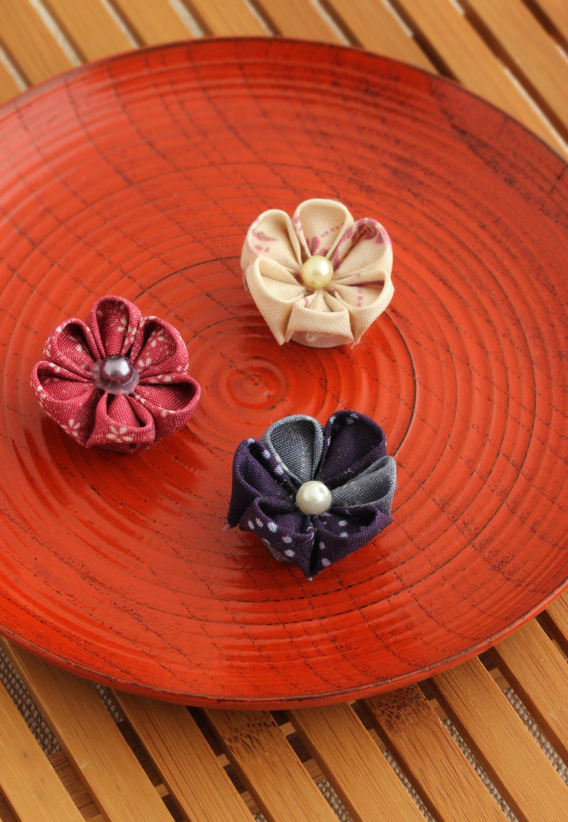 つまみ細工作り体験 牛首紬の生地でかわいいお花マグネットを作ろう♪