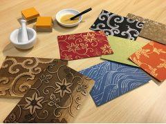 版木9種類、紙の色は10種類以上あります。