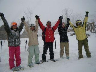 スノーシュー半日ツアー 雪の中を思いっきり歩こう!【7名〜ご予約はこちら】