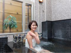 美肌の湯ともいわれる、さらさらとしたミネラルウォーターに浸るような優しい泉質で、湯あたりしにくく、体がしっかりと温まります。