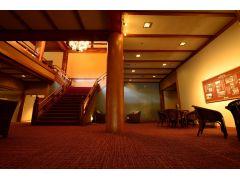 国の【登録有形文化財施設】である館内をお楽しみください
