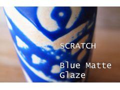 オプションで白土を選択。素焼き後、撥水剤(釉薬をはじくもの)で絵を描いて青い釉薬をつけてみました。