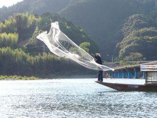 さこやならでは、投網(とあみ)漁の見学ができます♪※要事前予約