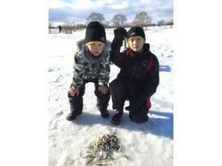 送迎付き!手ぶらで氷上ワカサギ釣り&天然温泉付き!