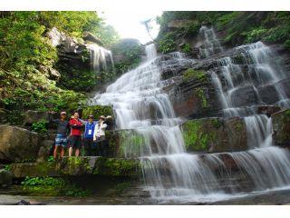 【カヤック&トレッキング体験】海から川へカヤックで、さらに歩いて目指す滝!!【おひとり様:13000円!(2名様以上でのご予約でお得に!)】