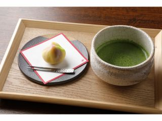 「菓子木型」特別公開付き                            お茶菓子タイムで一休み