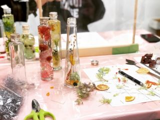 和歌山のドライフルーツを使ったフルーツハーバリウム体験