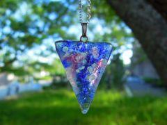 透明感・鮮やかさが ガラス七宝の特徴です。