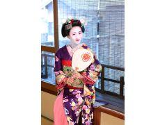 季節に合わせた小物を持って撮影をすれば、京都の四季を感じられるお写真が残せます♪