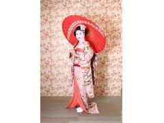 和傘を持ったポーズは華やかに決まるので大人気!!!プロスタジオの完璧なライティングでさらに可愛く残せます♪