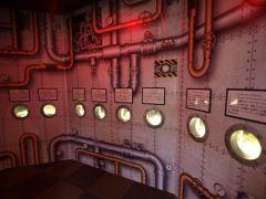 潜水艇をイメージした水槽で小さなエビカニ達を展示しています。