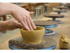 越前焼の粘土の感触を楽しもう!