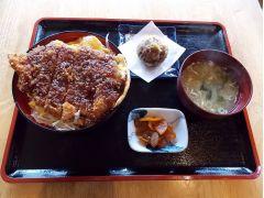 昼食(選択式①ソースカツ丼)