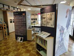 集合場所となっている震災伝承スペース「つなぐ館」の館内