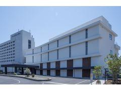 大磯プリンスホテルスパ棟外観。THERMAL SPA S.WAVEは3F~4Fにございます。