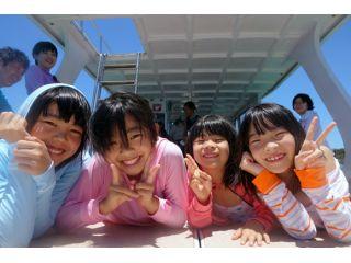 春休み・夏休みはお子さんたちの休日で家族に1名のインストラクターが担当して安心できるケアをします。