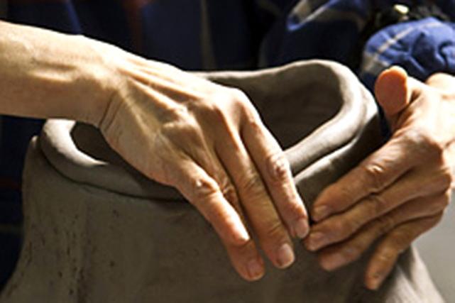 ≪鳴門市×手びねり陶芸体験≫大満足の1.6kgの粘土を使用して大作にも挑戦できる...