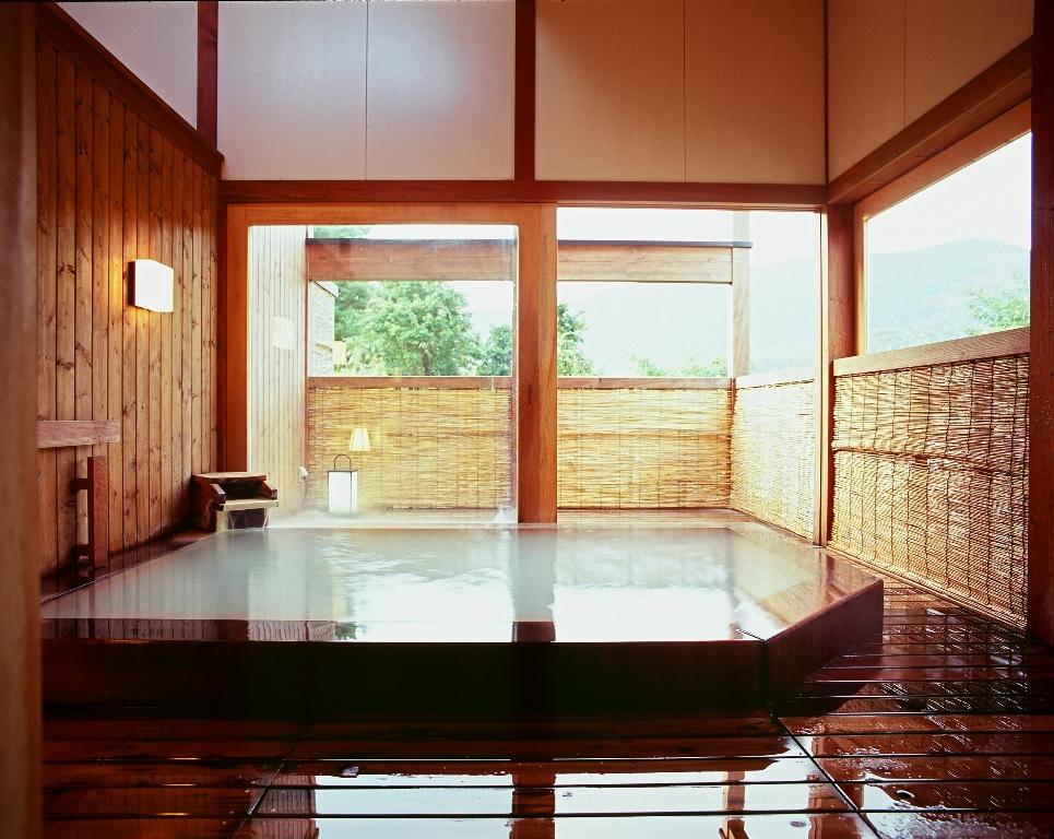 【蔵王特有の源泉かけ流しの「白濁」の温泉】《タオル付きで、手ぶらでのご入浴ができ...