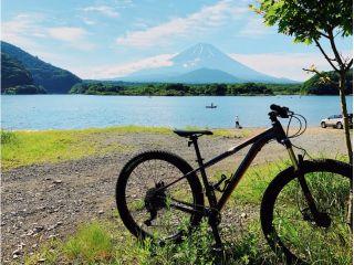 「東洋のスイス」とも呼ばれた、精進湖からの富士山ビュー。