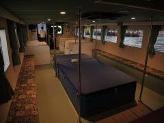 船内は屋根付きで、雨でも安心!
