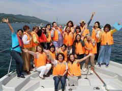 イルカ大好きなスタッフと一緒に 参加者みんなが楽しいプログラム! 心がわくわくする体験☆
