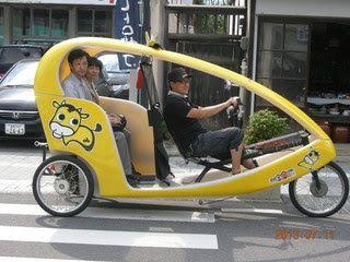 ベロタクシーでゆったり回遊!