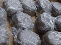 粘土は1キロ、大きめの湯呑を2つ作ることができる量です。
