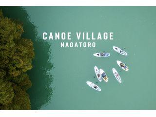 ターコイズ色の綺麗な湖をSUPで水上散歩できる贅沢プラン