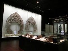 宝物館では重要文化財を多数展示しております。