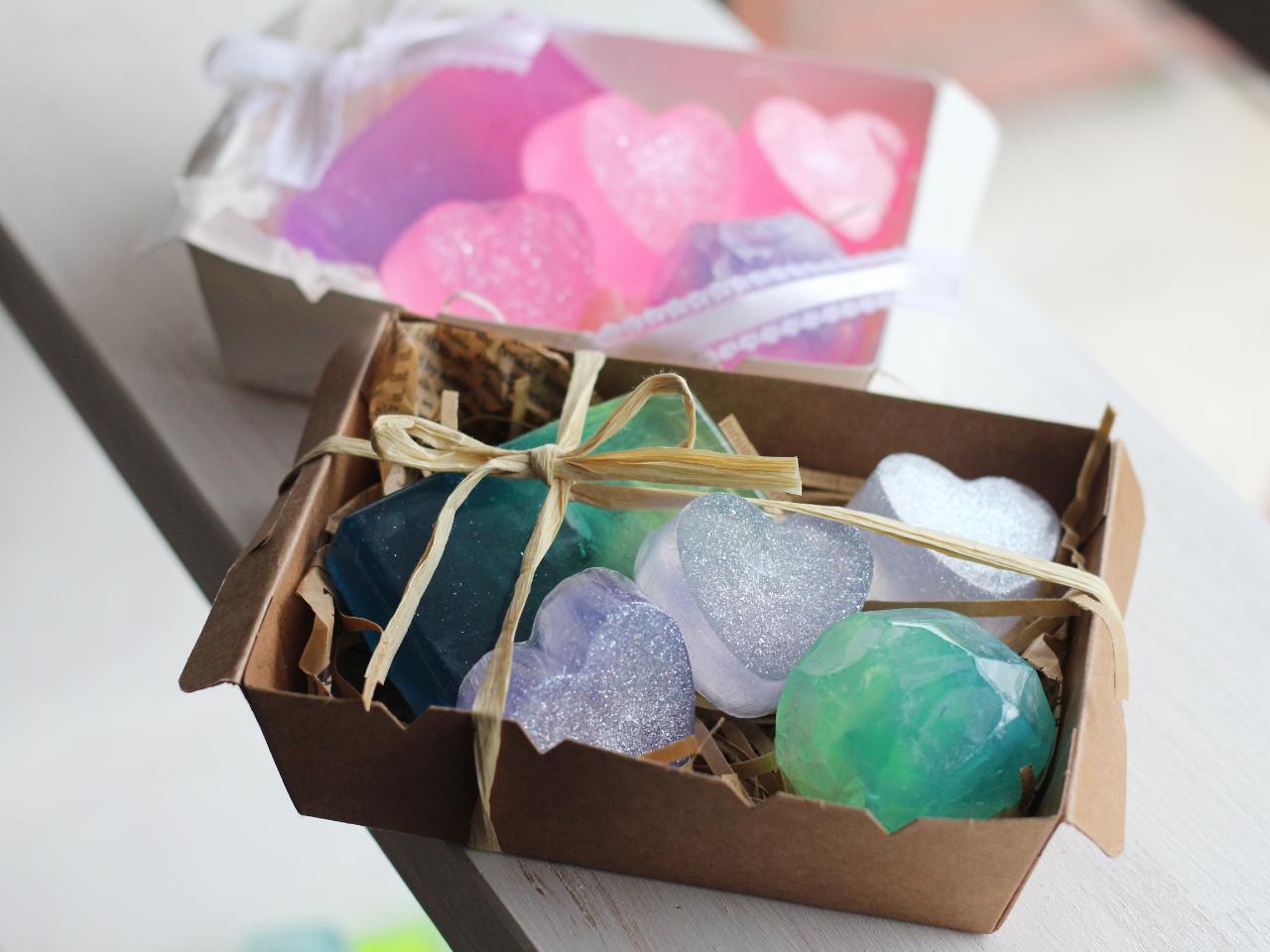【京都・手作り石けん】透明感が美しい♪宝石風せっけん(3種類5個)を手作りしよう...
