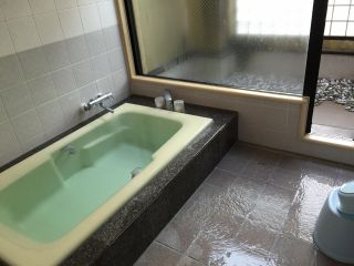 俵山温泉のかけ流しをお楽しみください。