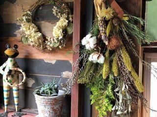 【富山×スワッグ作り体験】緑と花が溢れる癒しの空間「花スタジオ 花詩織り」のスワッグ作り体験。.:* オリジナルのスワッグでお部屋に彩りを♪講師がしっかりとサポート!少人数制で初心者でも安心です◎