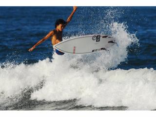 【初めてでも安心★初心者向けスクール!】サーフィンデビューしませんか?プロサーファー指導の元しっかりとサーフィンの基礎を身につけることが出来るドキドキわくわくプラン★≪所要時間約3時間≫