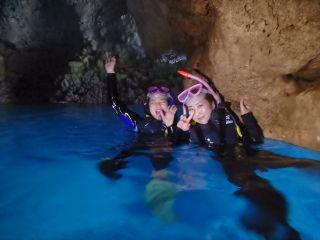 神秘の青の洞窟!!!