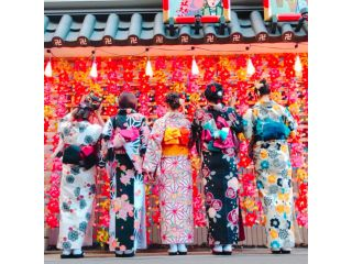 浅草駅から徒歩5分!浅草寺まで徒歩3分!手ぶらでOK!4名様以上で、着物レンタル&ヘアーセット付の大変お得なプランです。仲良しのみんなで浅草を楽しんじゃおう♪